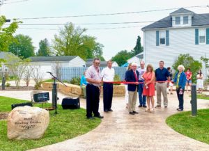 Batesville Memorial Public Library Reading Garden ribbon cutting photo
