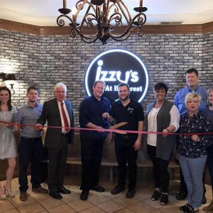 Izzy's at Hillcrest ribbon cutting photo