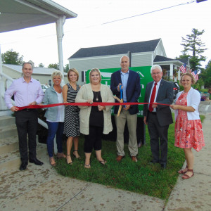 The Garrett Group ribbon cutting photo